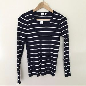 NWT GAP Ribbed U-neck Pullover Sweater